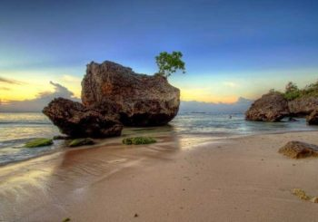 Pantai Padang Padang Surga Tersembunyi di Bali yang Wajib Anda Kunjungi